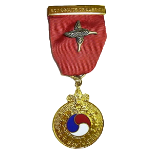 honor-medal-crossed